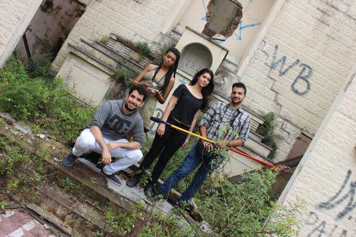 Carlos Feldens, Julia Santos, Camila Souza e Lucas Costa durante as gravações em novembro de 2015.